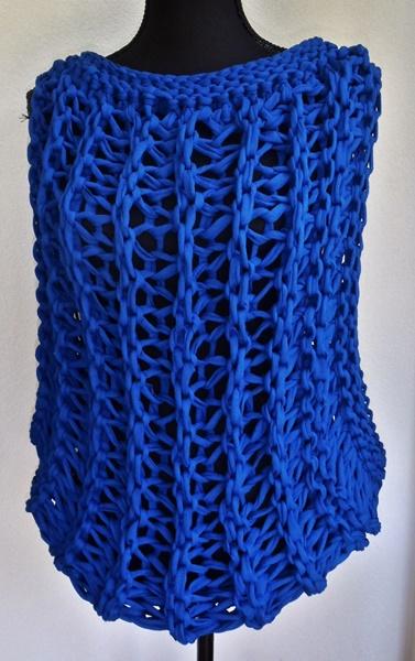 Moderne blauwe top